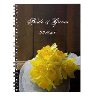 País rústico de los narcisos que casa el cuaderno
