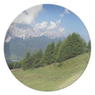 Paisaje alpino platos