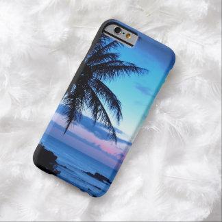 Paisaje azul de la puesta del sol del rosa funda de iPhone 6 barely there
