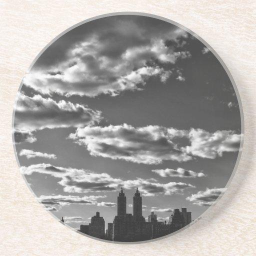 Paisaje blanco y negro de New York City Posavasos Diseño