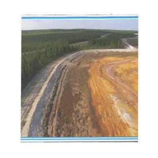 Paisaje canadiense de las áreas mineras cerradas blocs de papel