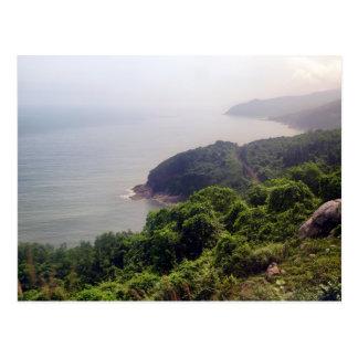 Paisaje costero de la montaña, Vietnam Postales