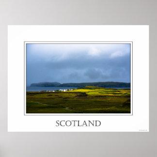 Paisaje costero en la isla de Skye en Escocia