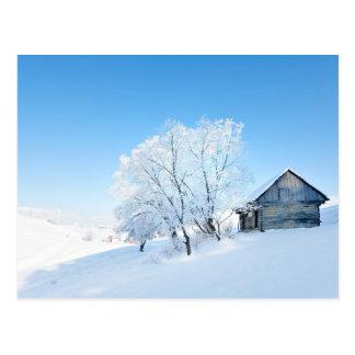 Paisaje de la cabina del invierno tarjeta postal