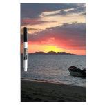 Paisaje de la puesta del sol del océano pizarras