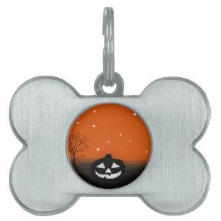 Paisaje de la silueta de Halloween Placas Mascota