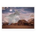 Paisaje de la tormenta del relámpago del desierto postal