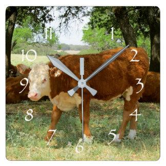 Paisaje de la vaca de Tejas Reloj Cuadrado