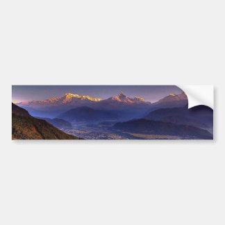 Paisaje de la visión HIMALAYA POKHARA NEPAL Etiqueta De Parachoque