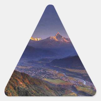 Paisaje de la visión: HIMALAYA POKHARA NEPAL Pegatina Triangular