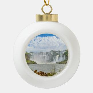 Paisaje de las cascadas en el parque de Iguazu Adorno De Cerámica En Forma De Bola