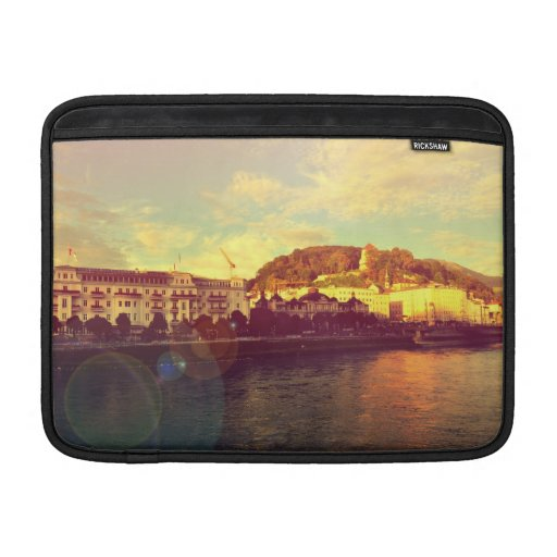 Paisaje de Salzburg Fundas Para Macbook Air