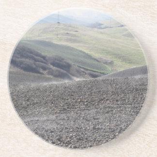Paisaje de Toscana del invierno con los campos Posavasos Diseño