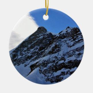 Paisaje del invierno ornamente de reyes