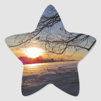 Paisaje del invierno pegatina en forma de estrella