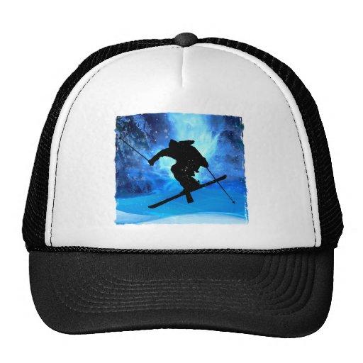 Paisaje del invierno y esquiador del estilo libre gorras de camionero