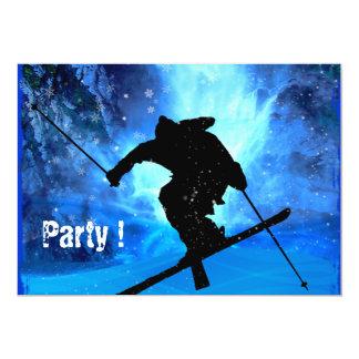 Paisaje del invierno y esquiador del estilo libre invitacion personal