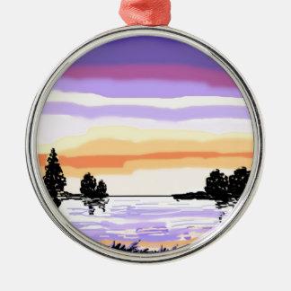 Paisaje del lago sunset adorno navideño redondo de metal