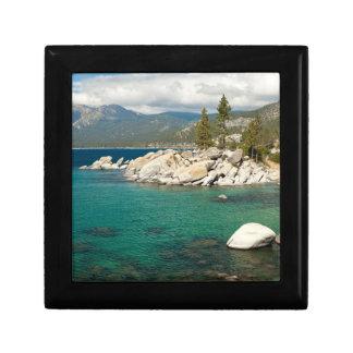 Paisaje del lago Tahoe Joyero Cuadrado Pequeño