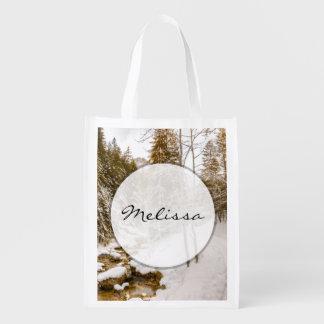 Paisaje del país de las maravillas del invierno co bolsa de la compra