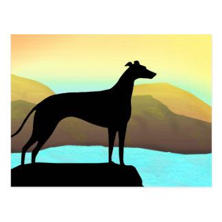 Paisaje del perro del galgo de la orilla del agua tarjetas postales