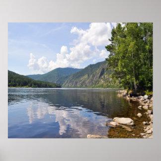 Paisaje del verano con el río póster
