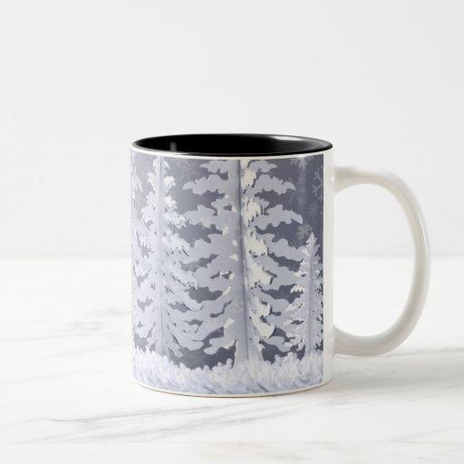 Paisaje encendido luna del invierno taza de dos tonos
