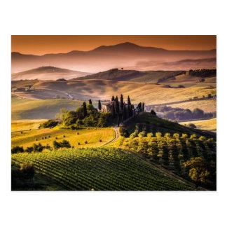 Paisaje hermoso de Toscana Postal