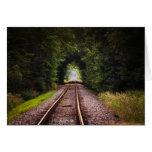 Paisaje hermoso verde ferroviario tarjetón