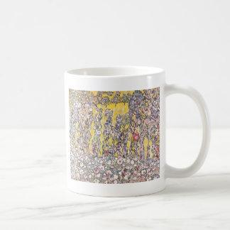 Paisaje hortícola con una cumbre taza