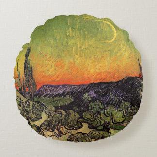 Paisaje iluminado por la luna de Vincent van Gogh Cojín Redondo