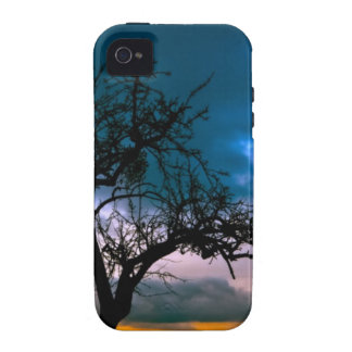 Paisaje imponente - silueta del árbol, puesta del iPhone 4 carcasa