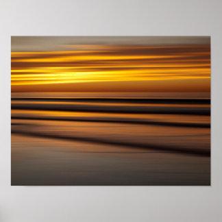 Paisaje marino abstracto en la puesta del sol, CA Póster