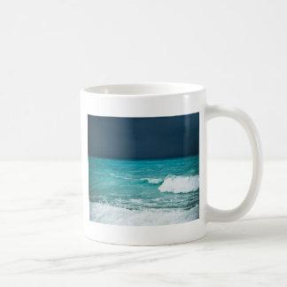 Paisaje marino del mún tiempo taza clásica