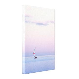 Paisaje marino en colores pastel con un velero impresión en lienzo estirada