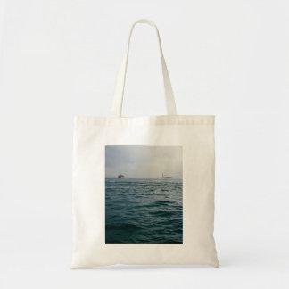 paisaje marino hermoso de un barco solitario bolsa tela barata