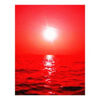 Paisaje marino rojo de la puesta del sol plantilla de membrete