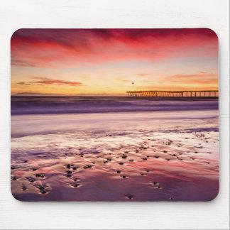 Paisaje marino y embarcadero en la puesta del sol, mousepad