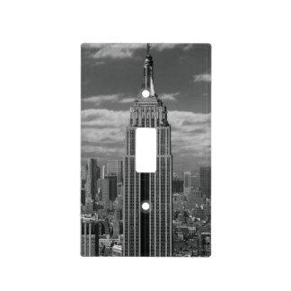 Paisaje negro y blanco del horizonte de New York C Cubiertas Para Interruptor