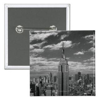 Paisaje negro y blanco del horizonte de New York C Pin Cuadrada 5 Cm
