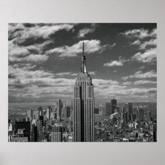 Paisaje negro y blanco del horizonte de New York C Póster