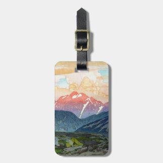 Paisaje oriental fresco de la montaña de la acuare etiquetas maletas