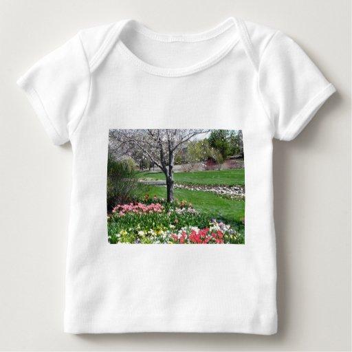 paisaje, primavera playera de bebé