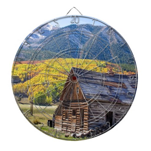 Paisaje rural rústico del otoño de la cabina de Co Tablero Dardos