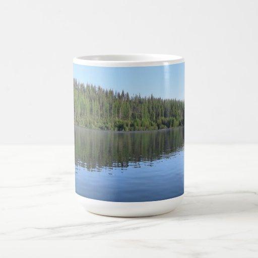 Paisaje Skyscape Waterscape de Umatilla Oregon Taza Básica Blanca