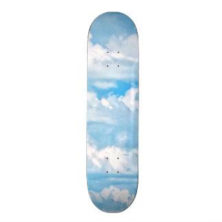 """Paisaje soleado feliz del fondo de las nubes patineta 7 1/8"""""""