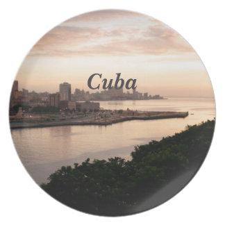 Paisaje urbano cubano plato para fiesta
