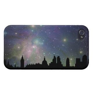 Paisaje urbano de la silueta del horizonte de Lond iPhone 4 Protectores