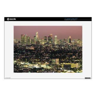 Paisaje urbano de Los Ángeles en la noche Skins Para 38,1cm Portátil