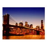 Paisaje urbano de Nueva York con el puente sobre e Postales
